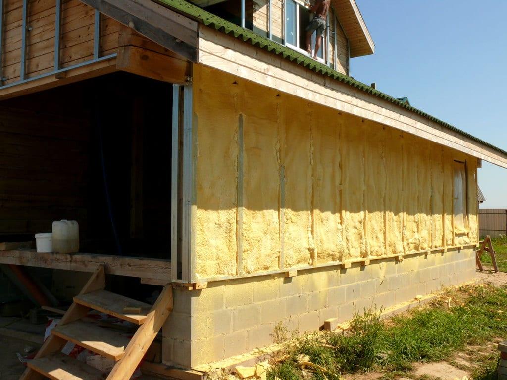 Как утеплить деревянный дом снаружи своими руками видео 45