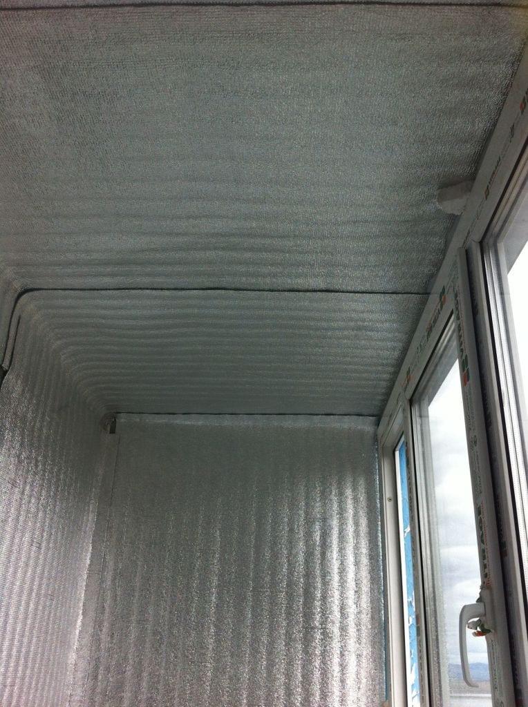 Потолок с пенофолом