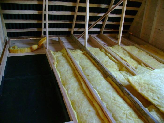 Правильно возводим потолок и продляем банные процедуры